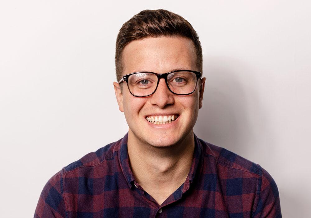 Iain Thompson Profile